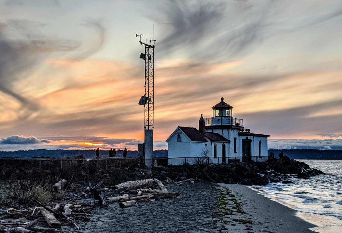 A lighthouse in Discovery park.